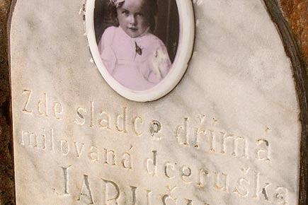 Klobouky u Brna, hřbitovní reportáž - foto 4