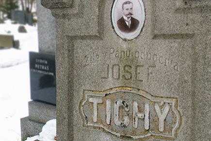 Klobouky u Brna, hřbitovní reportáž - foto 5