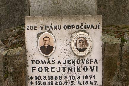 Klobouky u Brna, hřbitovní reportáž - foto 6
