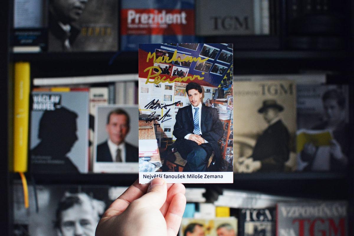 Signovaná fotografie od největšího fanošuka Miloše Zemana
